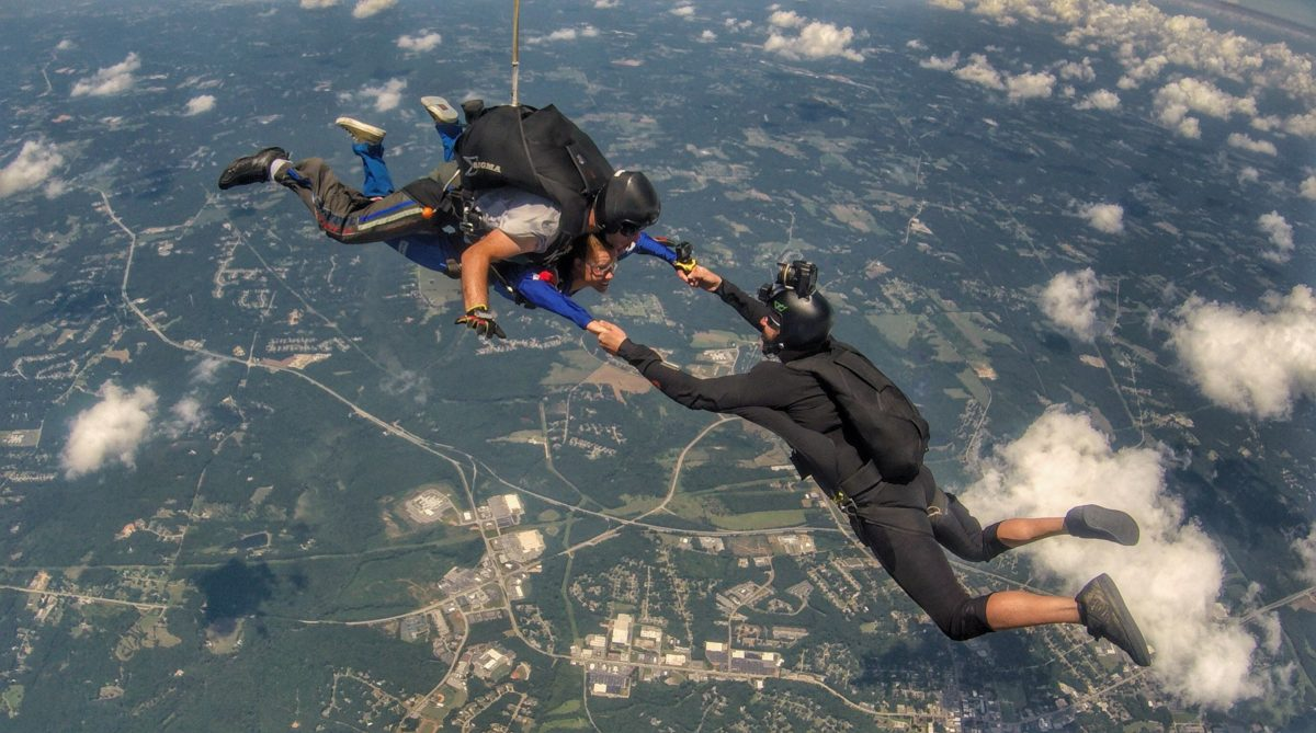 marriage proposal while skydiving