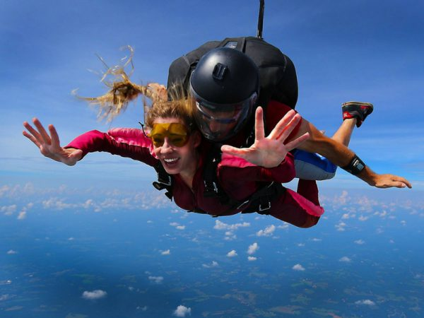 First Time Skydiving: 5 Tips from the Pros