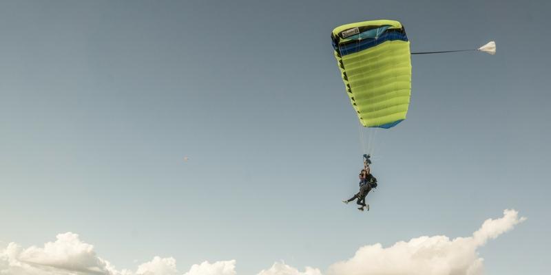 skydiving wind