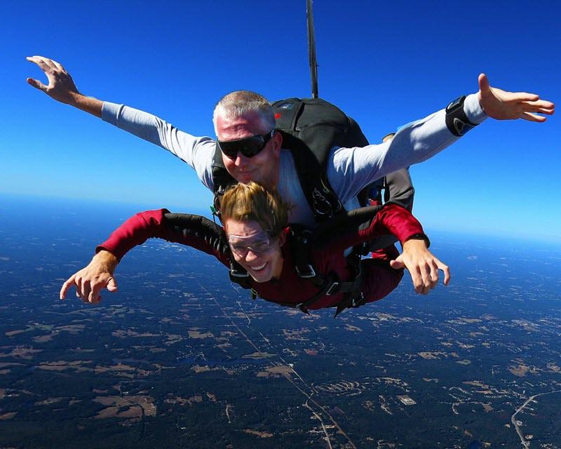 tandem skydiving at Skydive Monroe