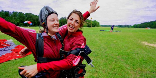How to Dress for Each Season for First Time Skydiving